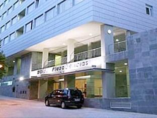 Eurostars Plaza Delicias Hotel Zaragoza - The Entrance