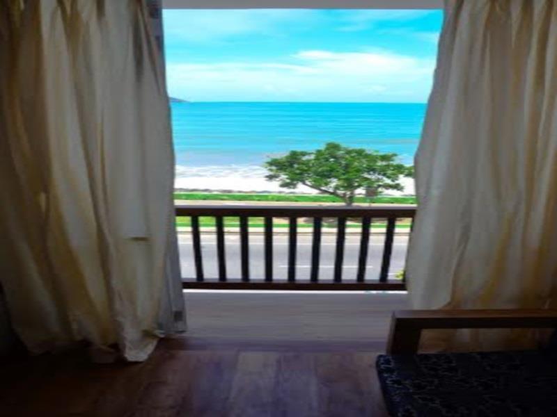 Hotel Sealine - Hotels and Accommodation in Sri Lanka, Asia