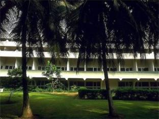 メルキュール ロム サラカワ ホテルの外観