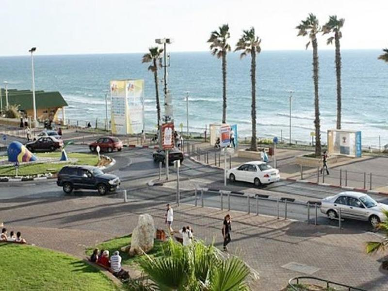 ArendaIzrail Apartment - Ben Gurion Street Bat-Yam - Hotels and Accommodation in Israel, Middle East