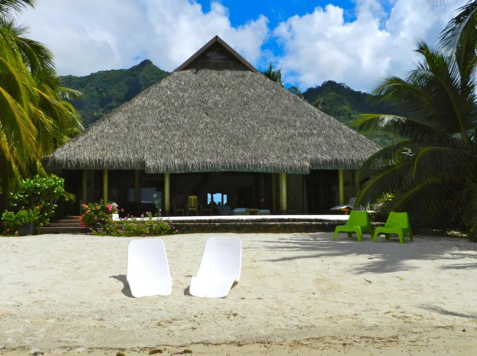 Enjoy Villa Pool and Beach - Hotels and Accommodation in French Polynesia, Pacific Ocean And Australia