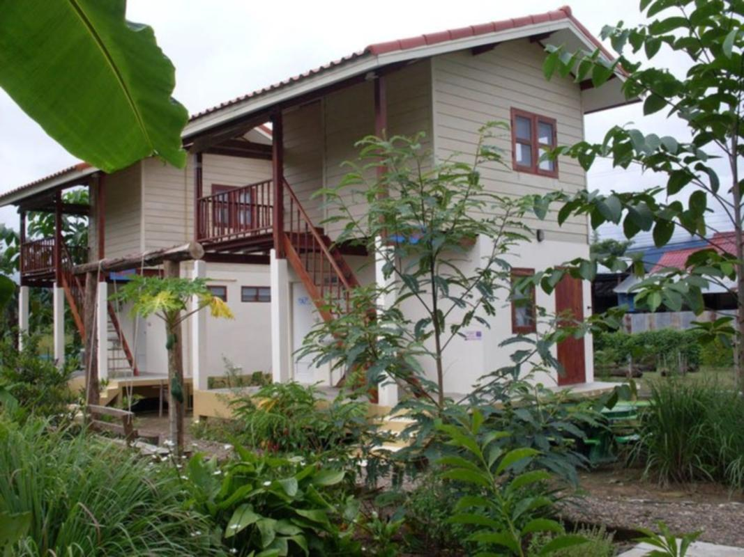 Churn Yuen Pai by Gampanat Guesthouse - Hotels and Accommodation in Thailand, Asia