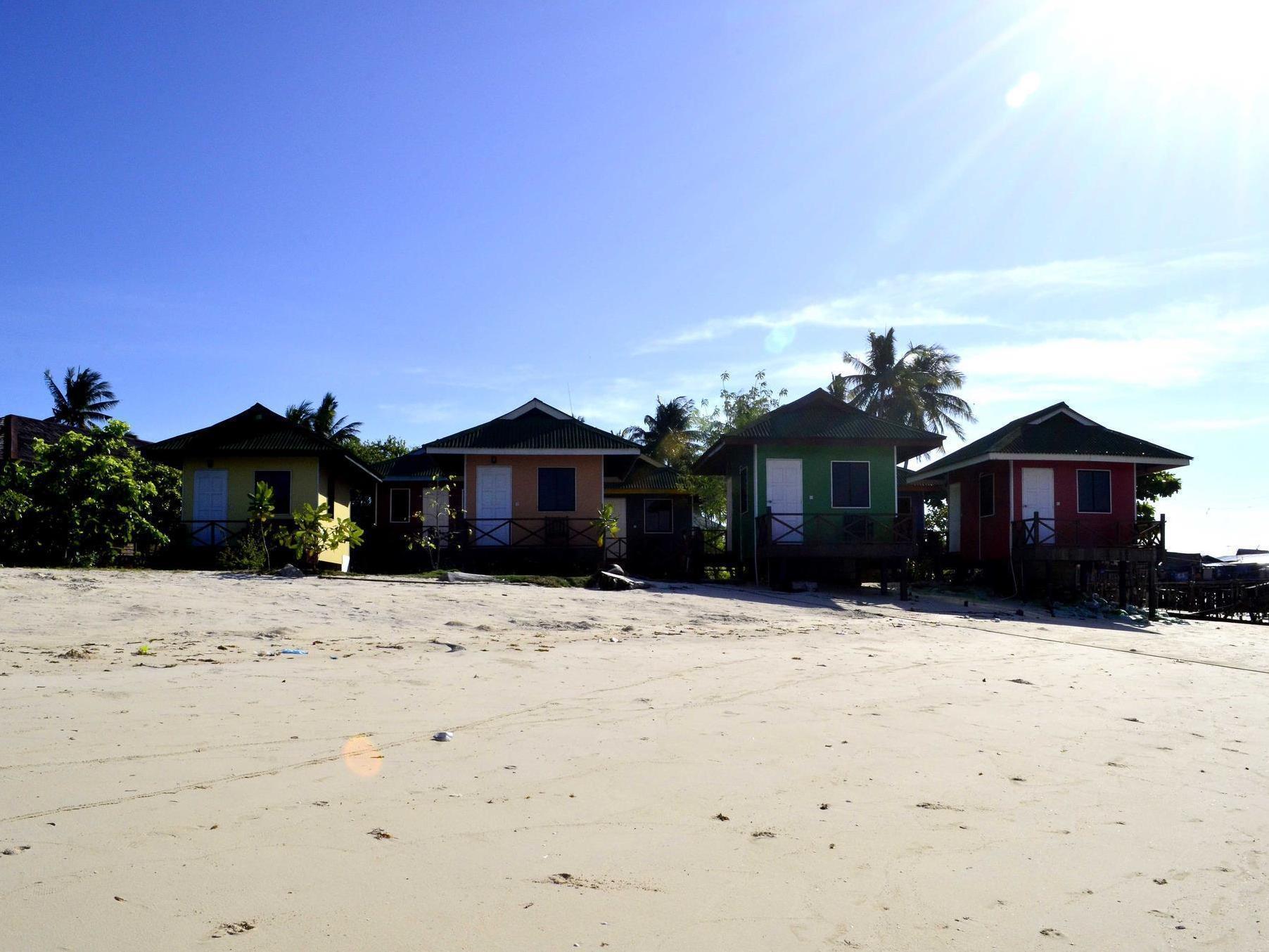 Sipadan dive centre mabul lodge mabul island semporna malaysia great discounted rates - Sipadan dive centre ...