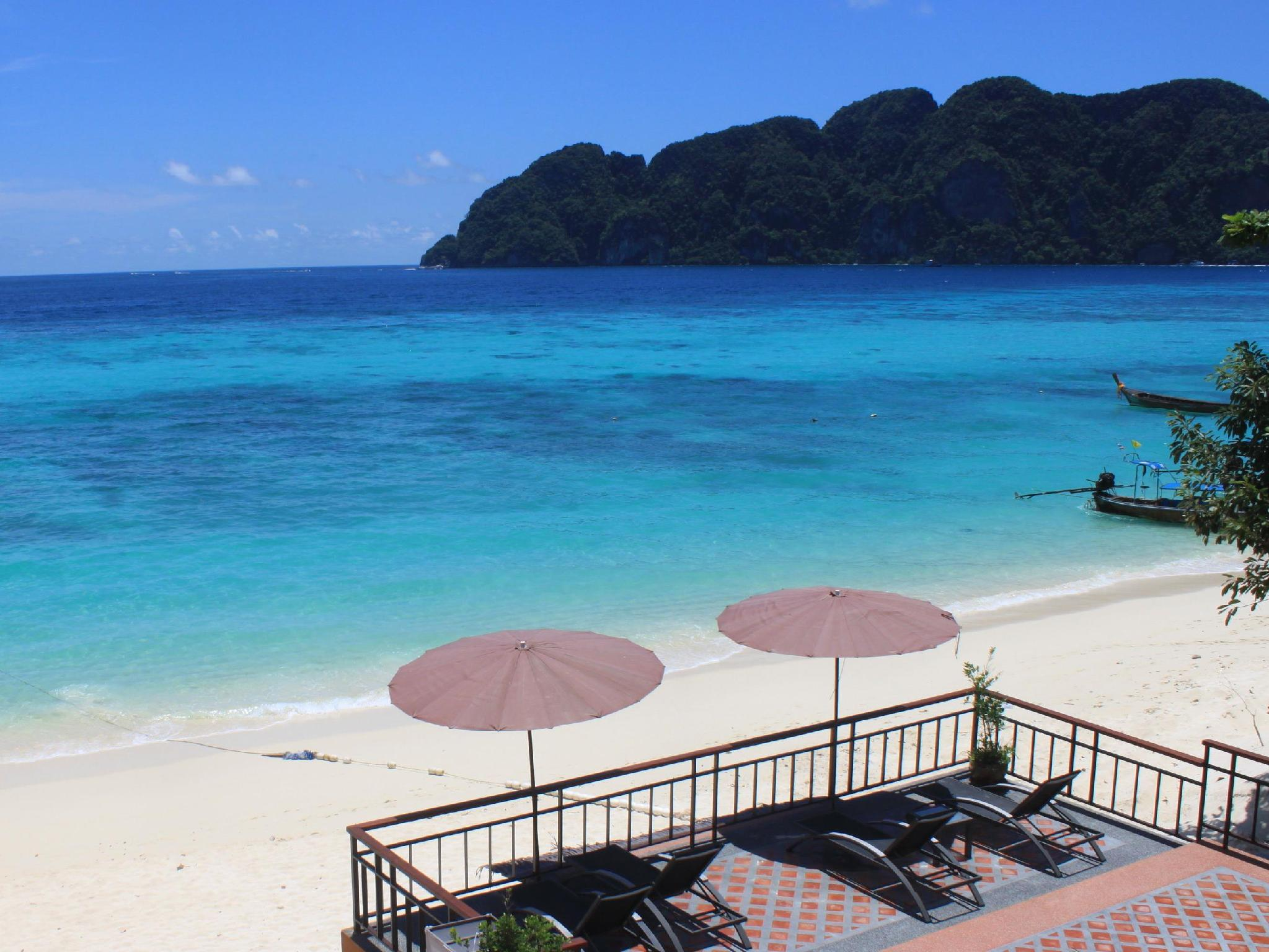 Phi Phi Long Beach Resort and Villa - Hotell och Boende i Thailand i Asien