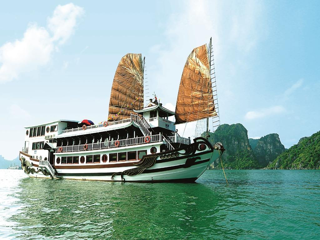 Royal Palace Cruise - Halong