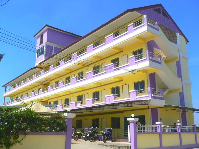 Natcha Place - Hotels and Accommodation in Thailand, Asia