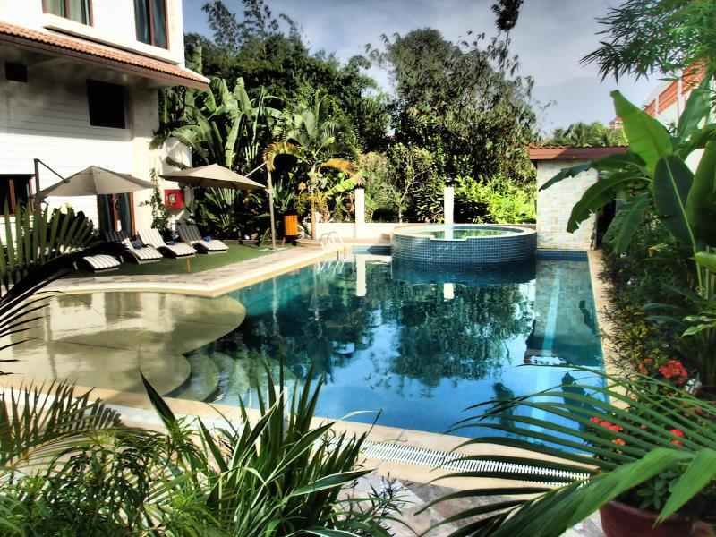 Deluxx Boutique Hotel & Serviced Apartment - Sihanoukville