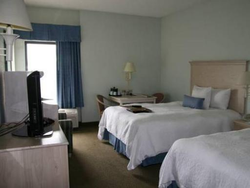 Hampton Inn Naples - I-75 Hotel hotel accepts paypal in Naples (FL)