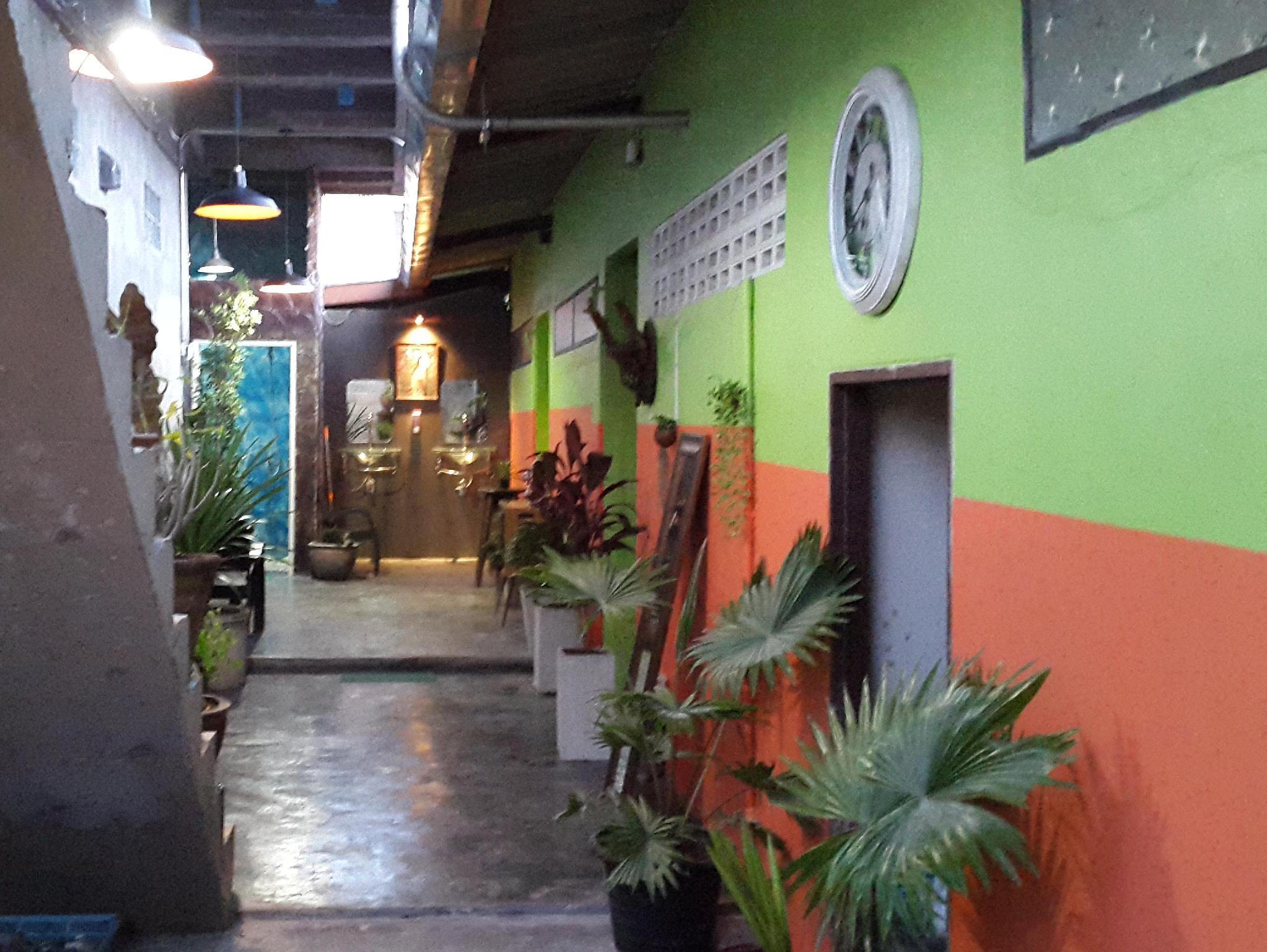 Bigboss Hostel - Hotell och Boende i Thailand i Asien