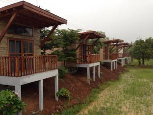 the country farm resort and home stay