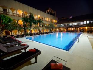 Sabai Lodge Hotel Pattaya - Swimming Pool