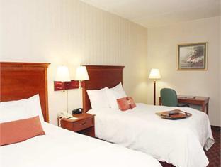 Hampton Inn Allentown Hotel Allentown (PA) - Guest Room