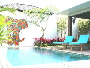 4Quarters Luxury Pool Villas