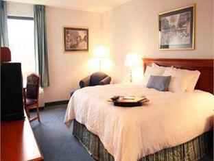 Hampton Inn Greensburg Hotel Greensburg (PA) - Guest Room