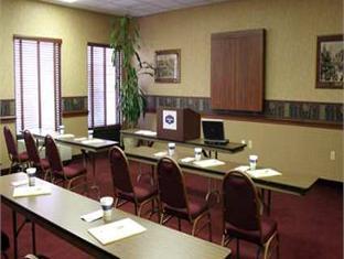 Hampton Inn Greensburg Hotel Greensburg (PA) - Meeting Room