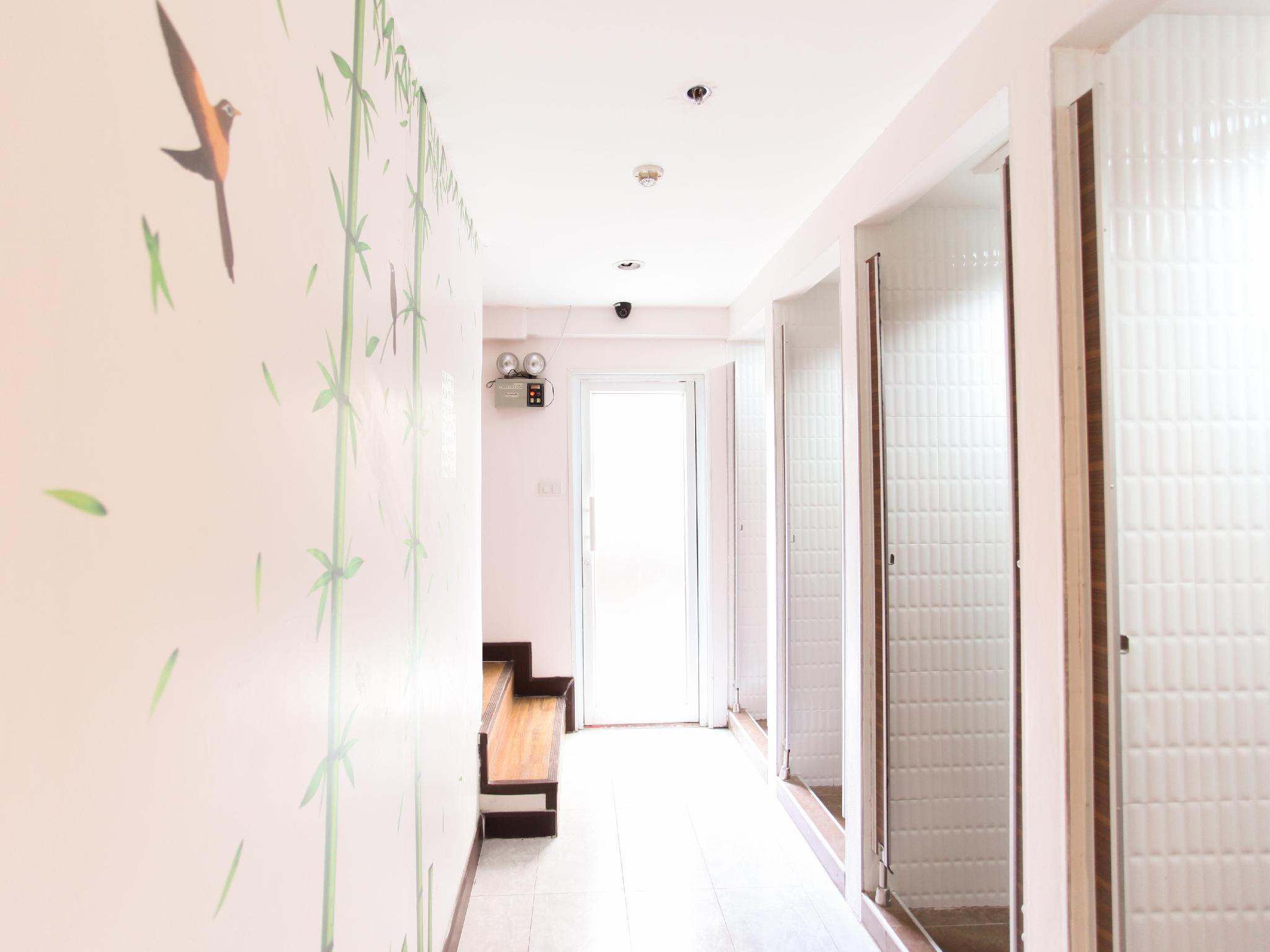 Hostel @ 8 Sukhumvit Bangkok - Hotels and Accommodation in Thailand, Asia