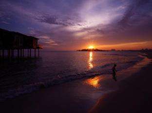 Avillion Hotel Port Dickson - Beach