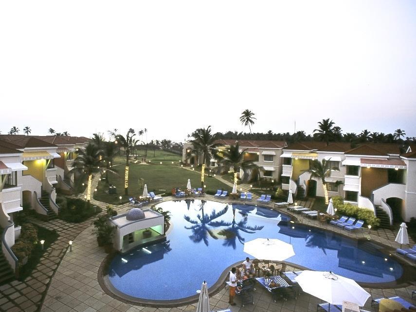 Royal Orchid Beach Resort   Spa, Goa - Hotell och Boende i Indien i Goa