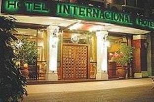 インターナショナル ホテルの外観