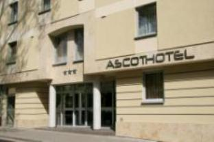 Ascot Hotel in City Center