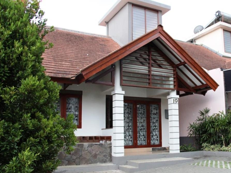 Dago Pakar Villa M2-19 - Hotels and Accommodation in Indonesia, Asia