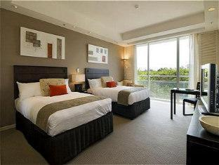 Crowne Plaza Royal Pines Hotel Gold Coast - Guest Room