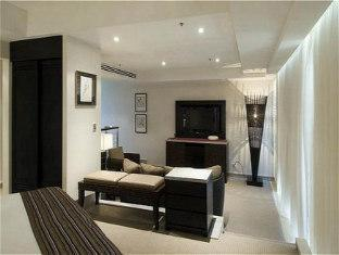 Crowne Plaza Royal Pines Hotel Gold Coast - Suite Room