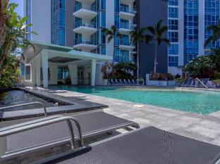 Artique Surfers Paradise Resort Gold Coast - Enjoy a day in the Sun at Artique's Heated Pool (27 degrees)