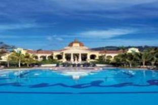 サンダルス ユーロピアン ホテルの外観