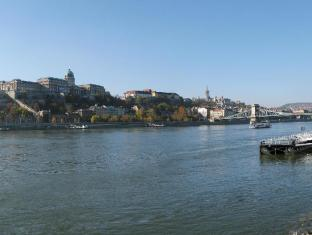 Mercure Budapest City Center Hotel Budapest - Surroundings