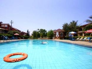 Colonia Jose Menino Resort Syd Goa - Swimmingpool
