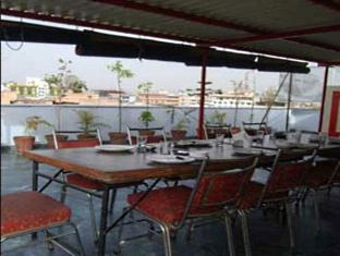 Abhineet Palace Hotel
