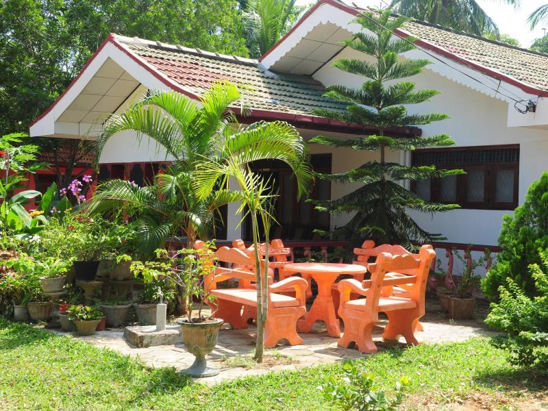 Nisansala Guest House - Hotels and Accommodation in Sri Lanka, Asia