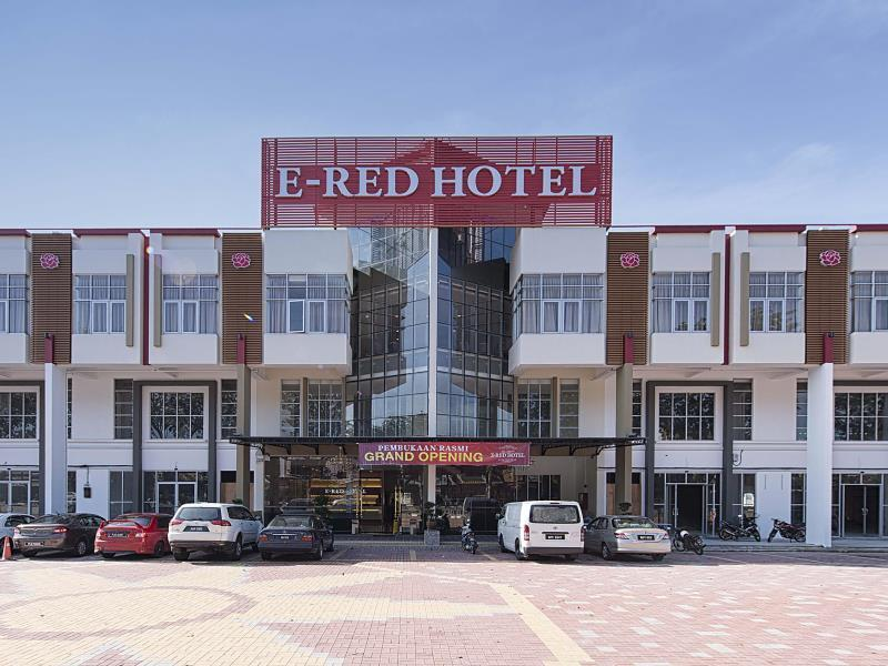 E-Red Hotel Alma Cosmo - Hotels and Accommodation in Malaysia, Asia