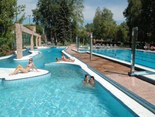 Holiday Beach Budapest Wellness & Conference Hotel Budapest - Piscina