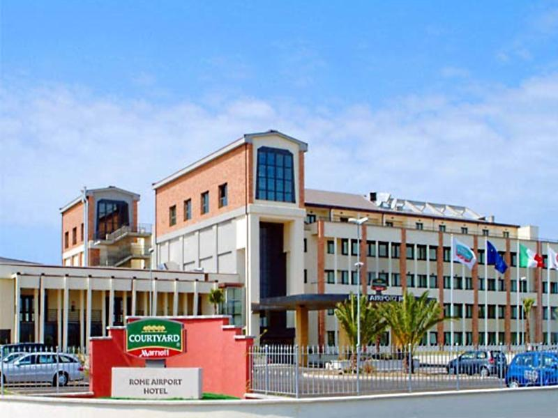 Courtyard By Marriott Rome Airport Hotel