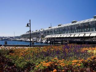 Blue Sydney A Taj Hotel Sydney - Historic Woolloomooloo Wharf
