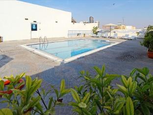 Jormand Hotel Apartments Dubaj - Basen