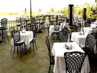 bayfront inn 5th avenue naples  fl    restaurant