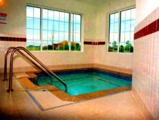 Country Inn & Suites Hotel Mankato (MN) - Swimming Pool