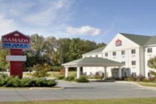 Ramada Limited Inn & Suites Hotel Pittsfield (MA) - Exterior