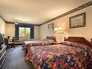 Ramada Limited Inn & Suites Hotel Pittsfield (MA) - Guest Room