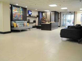 Ramada Limited Inn & Suites Hotel Pittsfield (MA) - Interior