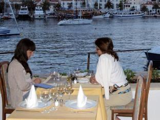 Отель Delfin Harborcourt Hotel Hvar / Делфин Харборцоурт Хотел Хвар.
