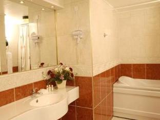 Hotel Plaza Odense - Bathroom