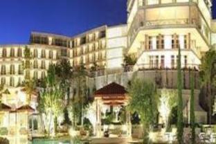 โรงแรมอัมฟอร่า