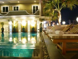 LK Royal Suite Hotel Pattaya - Schwimmbad