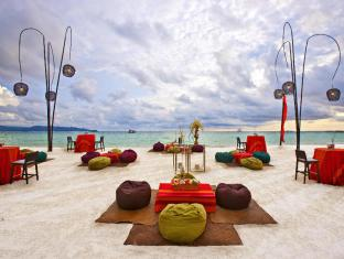 Discovery Shores Hotel Boracay Island - Food, drink and entertainment