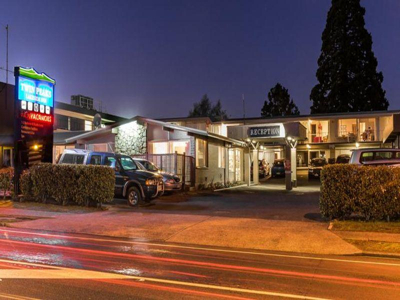 Twin Peaks Lakeside Inn - Hotels and Accommodation in New Zealand, Pacific Ocean And Australia