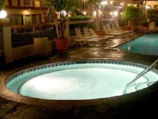 Tropicana Inn And Suites Anaheim (CA) - Hot Tub